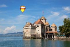 Den Chillon slotten på sjöGenève i Schweitz Royaltyfri Fotografi