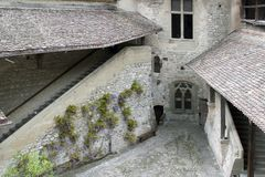 den chillongeneva för 200 slott laken kan montreux nära switzerland Royaltyfri Foto