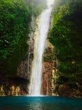 Den Chindama vattenfallet som lokaliseras i Limon, Costa Rica Lacatarata Chindama arkivbilder