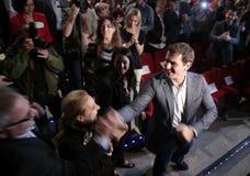 Den Ciudadanos politiskt partiledaren Albert rivera ankommer till anförande royaltyfri foto
