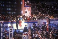 Den Clinton familjen accepterar utnämningen på den 1992 demokratiska nationella regeln på Madison Square Garden, New York Arkivfoton