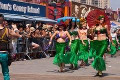 Den Coney Island sjöjungfrun ståtar royaltyfria bilder