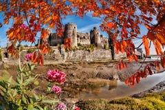 Den Conwy slotten i Wales, Förenade kungariket, serie av Walesh rockerar Arkivfoto
