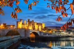 Den Conwy slotten i Wales, Förenade kungariket, serie av Walesh rockerar Royaltyfria Foton