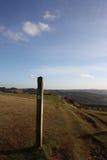 Den Cotswold vägen, på den Cleeve kullen Fotografering för Bildbyråer