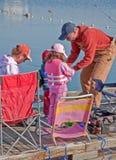 Den Coulee staden packar ihop laken som fiskar Derb Arkivbild
