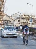 Den cyklistJohann Tschopp- Paris Nice prologen 2013 i Houilles Royaltyfria Bilder