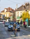 Den cyklistNicolas Roche- Paris Nice prologen 2013 i Houilles Arkivbild