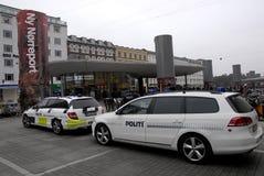 DEN DANSKA POLISEN HÅLLER ÖGONEN PÅ NORREPORT-DREVSTATIONEN Arkivfoton
