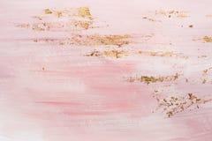 Den delikata rosa modellen marmorerar modellbakgrund Guld- brytningar och rosa m?larf?rgslagl?ngder arkivfoton