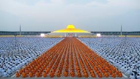 Den Dhammachai Dhutanga pilgrimsfärden går, 2013 i Bangkok Royaltyfri Bild