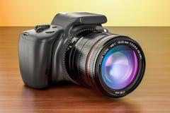 Den Digital singel-Lens reflexkameran på trätabellen, 3D framför Arkivbild