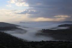 Den dimmiga dalen Arkivbilder