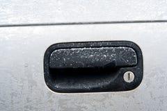 Den djupfryst bilen låser Arkivbild