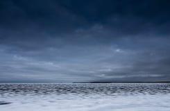 Den djupfrysta yttersidan av sjön Royaltyfri Fotografi