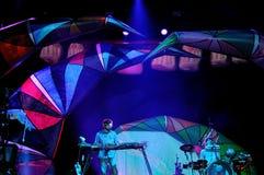 Den djura kollektiva musikbandet, utför på den Heineken Primavera ljudfestivalen 2013 Royaltyfri Foto