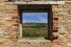 Den Dorset bygden till och med fönster Arkivbild