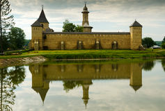 Den Dragomirna kloster, Rumänien royaltyfri foto