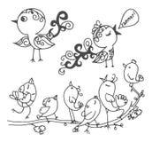 Den drog vektorhanden skissar av fåglar som isoleras på vit bakgrund stock illustrationer