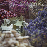 Den Dubai kryddan Souk eller den gamla Souken är en traditionell marknad i Duba Arkivfoto