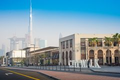 Den Dubai staden går med Burj Khalifa View - 15 09 Tomasz Ganclerz 2017 Royaltyfria Foton