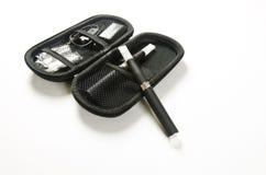 Elektronisk cigarett, e-cigarett Arkivbild