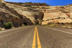 Den en Miljon-dollar vägen från stenblocket till Escalante, USA Arkivfoton