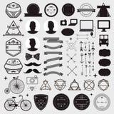Den enorma uppsättningen av tappning utformade designhipstersymboler stock illustrationer