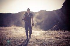 Den ensamma soldaten i berg Royaltyfria Foton