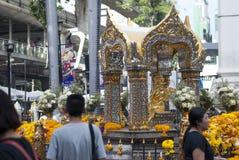 Den Erawan relikskrin öppnade om igen, efter återställandet efter Bangkok har bombarderat 2015 Royaltyfria Foton