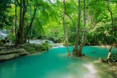 Den Erawan vattenfallet lokaliserade det Kanchanaburi landskapet, Thailand Arkivbild