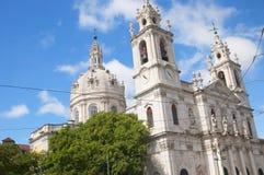 Den Estrela basilikan eller kunglig personbasilika royaltyfria bilder