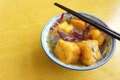 Den etniska kinesiska maträtten, den välfyllda beancurden flår Royaltyfri Bild