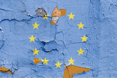 Den europeiska fackliga flaggan målade på en tegelstenvägg europeisk flaggaunion texturerad abstrakt bakgrund Royaltyfri Bild