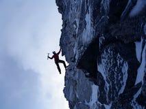 Den extrema klättringen är hans adrenalin Blandat massmedia arkivfoto