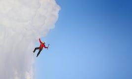 Den extrema klättringen är hans adrenalin Blandat massmedia Royaltyfria Foton