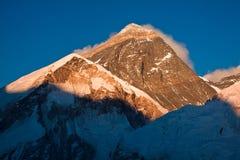 Den färgade aftonen beskådar av Everest från Kala Patthar nepal Arkivbilder
