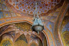 Den färgglade inre av gravvalvet av Akbar det stort, en import fotografering för bildbyråer
