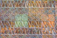 Den färgrika abstrakta väggen för keramiska tegelplattor för mosaiken texturerade modellen för Arkivfoto