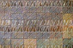 Den färgrika abstrakta väggen för keramiska tegelplattor för mosaiken texturerade modellen för Arkivbild