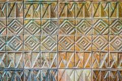 Den färgrika abstrakta väggen för keramiska tegelplattor för mosaiken texturerade modellen för Royaltyfria Bilder