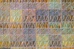 Den färgrika abstrakta väggen för keramiska tegelplattor för mosaiken texturerade modellen för Royaltyfri Fotografi