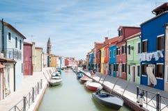 Den färgrika byn Arkivfoton