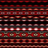 Den färgrika röda vit- och svartaztecen gjorde randig prydnader den geometriska etniska sömlösa modellen, vektor Fotografering för Bildbyråer