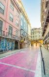 Den färgrika Ruaen de Sao Paulo i Lissabon, Portugal arkivfoton