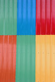 Den färgrika takmetallen Arkivfoton