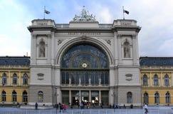 Den för en tid sedan renoverade östliga järnvägsstationen av Budapest, Ungern Royaltyfria Foton