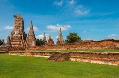 Den förstörda templet, Wat Chai Wattanaram, på historiska Ayutthaya parkerar Fotografering för Bildbyråer