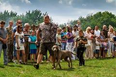 Den första festivalen av jägare i byn Perekhrest Royaltyfri Bild