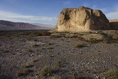 Den första pir av den stora väggen i den Gobi öknen Royaltyfri Bild